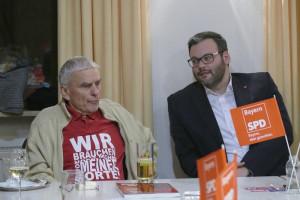 Uli Grötsch mit Petra Hinkl und Norbert Ringler in Neuendettelsau: OV-Vorsitzender Dietrich Tramsen mit dem KV-Vorsitzenden Hans H. Unger